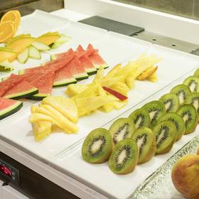 Desayuno buffet ilunion suites madrid hotel ilunion suites madrid