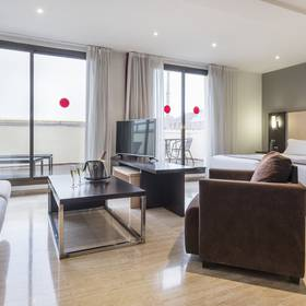 Junior suite hotel ilunion almirante barcelona